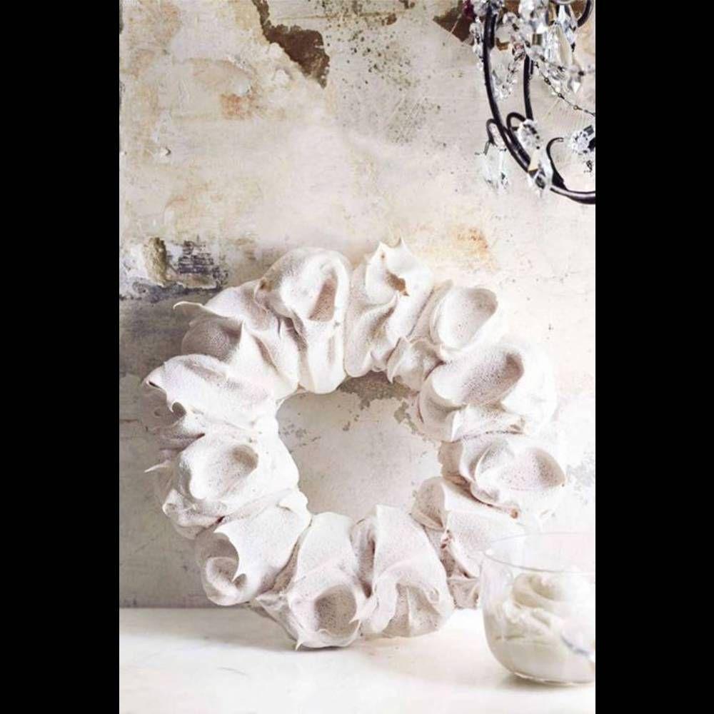 Christmas cake : La couronne de meringue