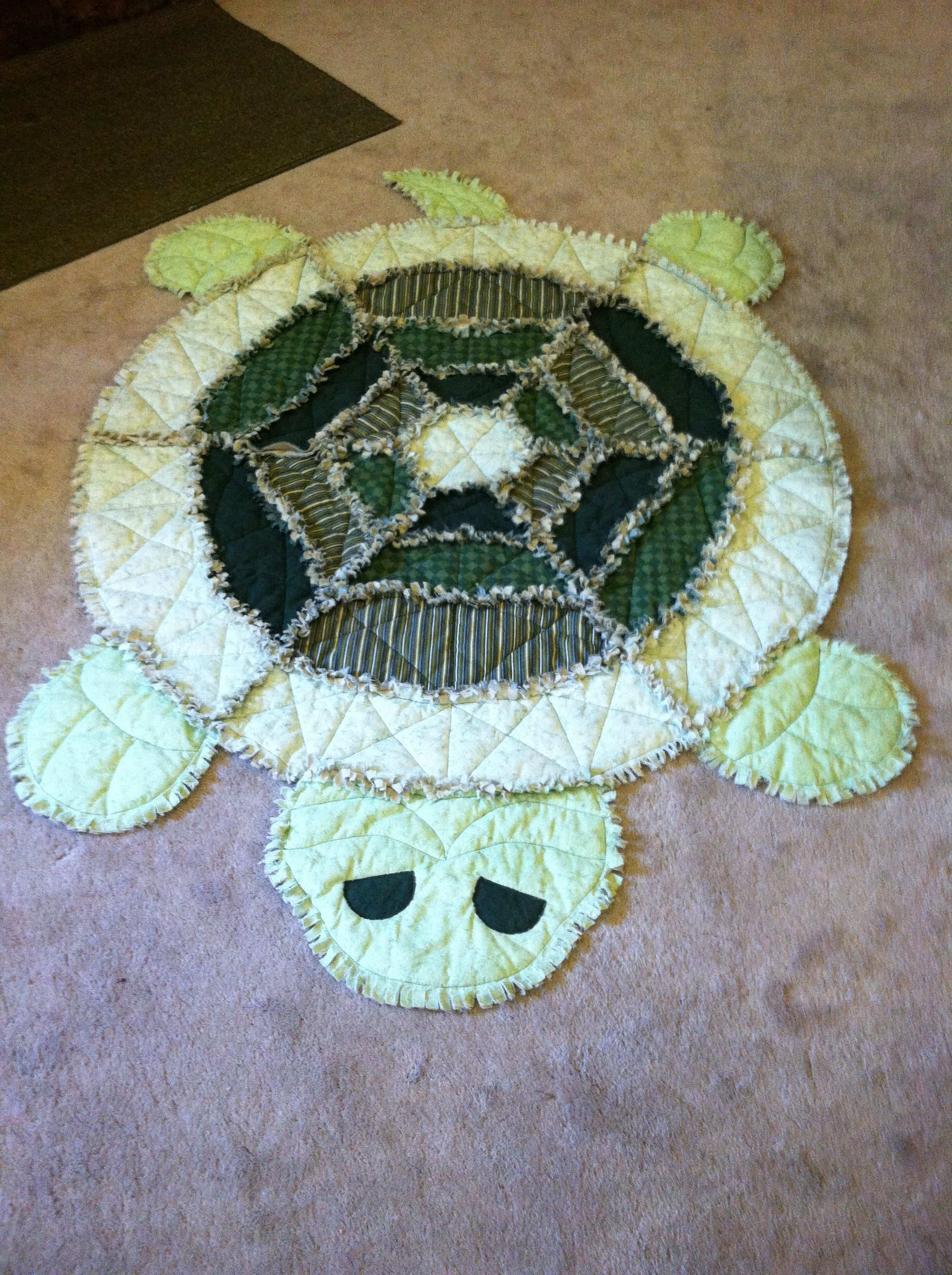 Rag Quilt Animal Patterns : Turtle rag quilt (a Simplicity pattern) Baby/kids quilts Pinterest Rag quilt and ...