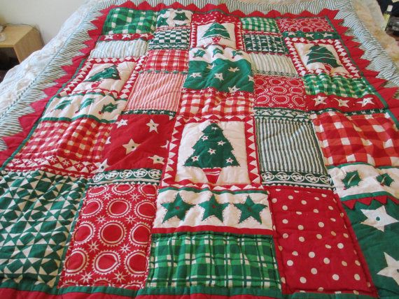 Christmas Quilt  Beautiful in Wonderful Conditon. by JunkArt22, $35.00