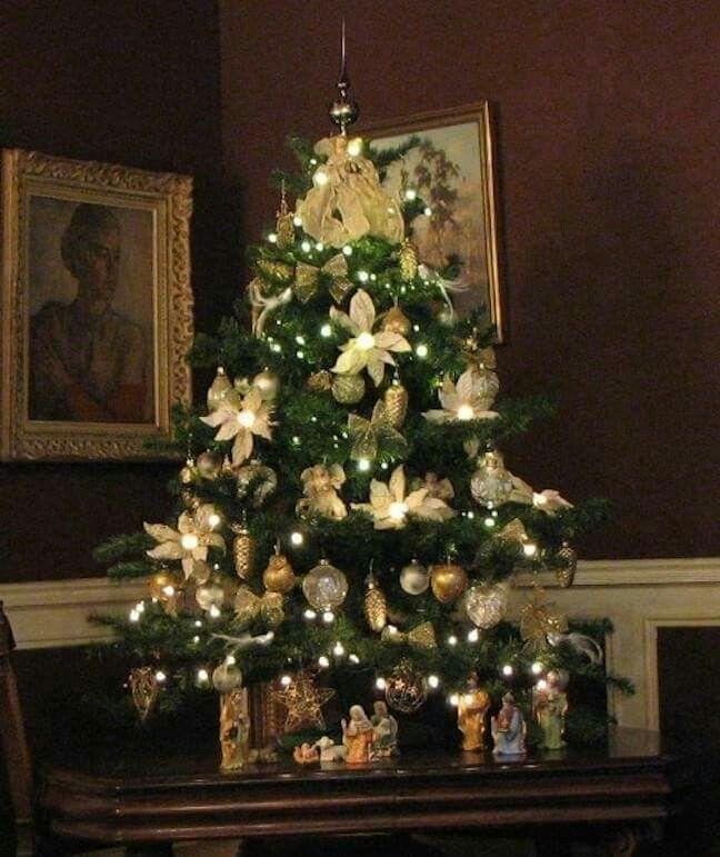 Hermoso rbol de navidad verde con dorado decoraci n - Arbol de navidad dorado ...