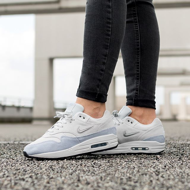 best cheap ac9cb fa1b9 Saucony Jazz Original Vintage (Grey   Blue   White) in 2019   latest heat    Sneakers, Jazz, Shoes