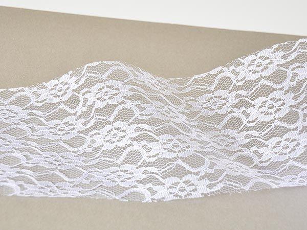 Tischband aus Spitze in Weiß für die Tischdekoration im Vintag-Look Tischband Spitze Weiß Polyester Breite 150mm auf 15 Meter Vorteilsrolle (m/0,99 )