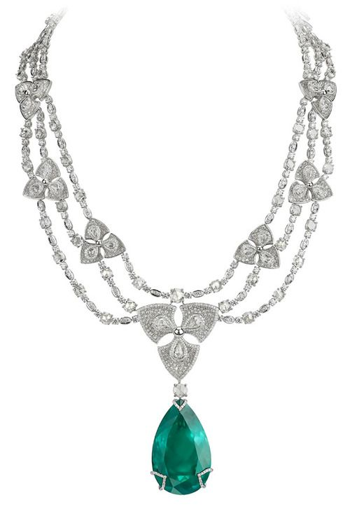 Avakian. Pear shape emerald necklace