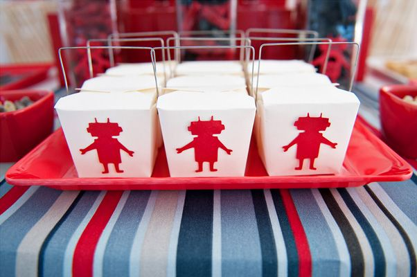 LemonyCupcake's cute robot treat noodle boxes
