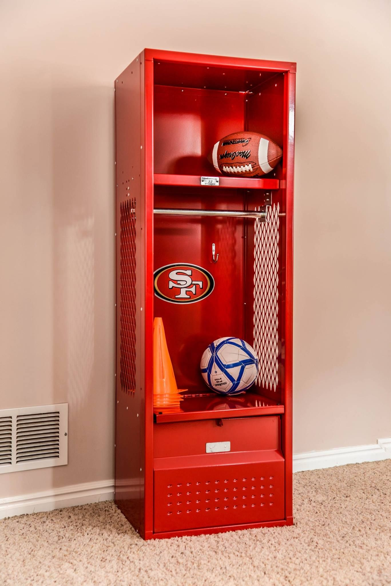 Hey Niners Fans Want To Make Your Ultimate Fan Smile Give Him Her One Of These Beauties J Sports Themed Bedroom Lockers For Sale Boys Bedroom Color Schemes