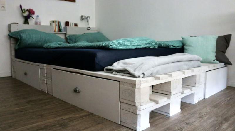 Diy Palettenbett Mit Bildern Europaletten Bett Palettenbett