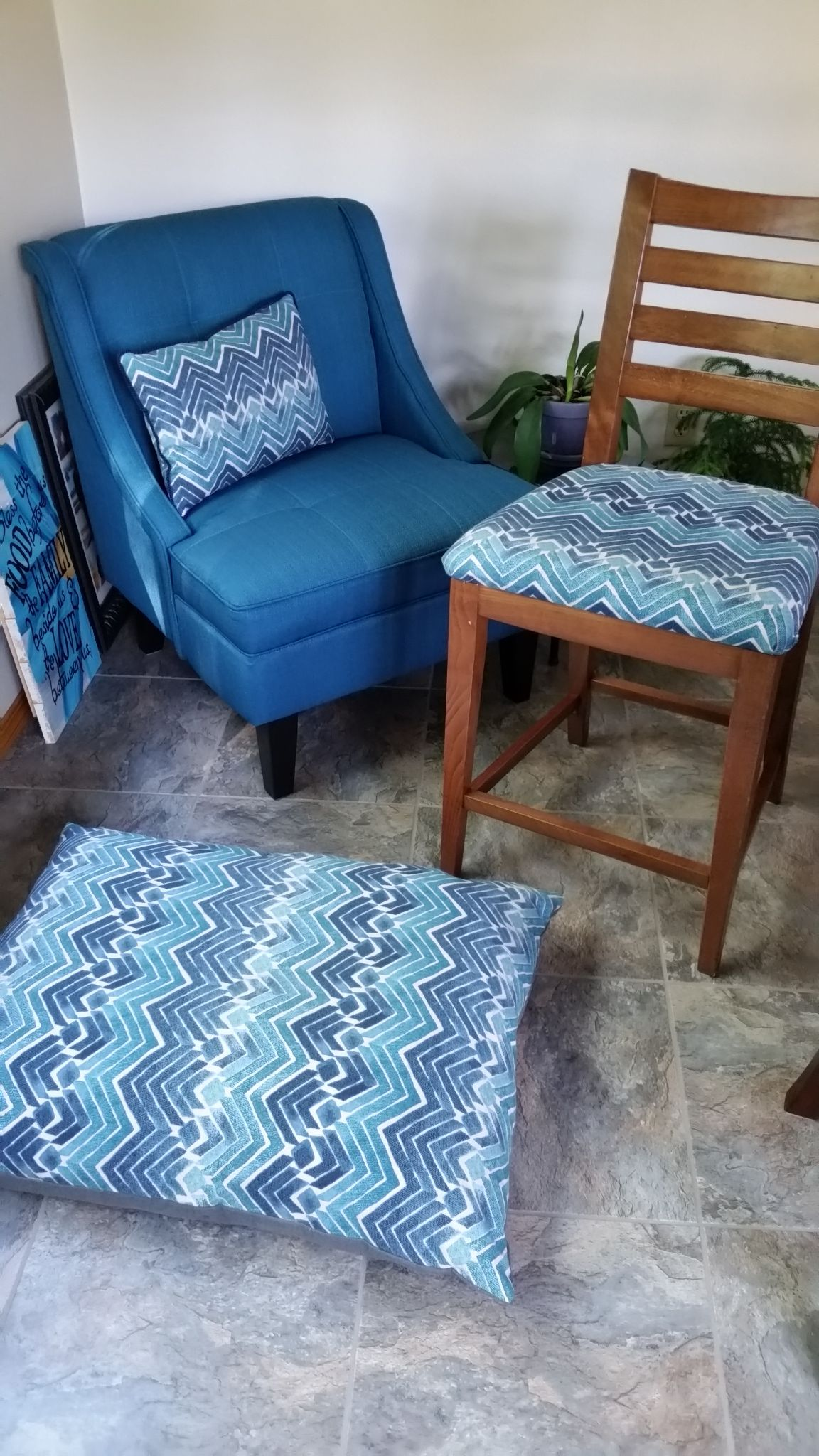Matching bar stool cushions, pillow and dog beds for our remodeled ...