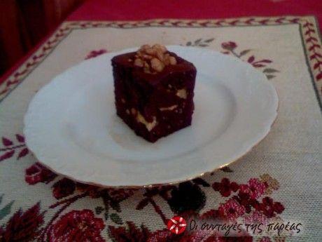 Ένα πολύ εύκολο γλυκό με βάση το ταχίνι και την σοκολάτα.