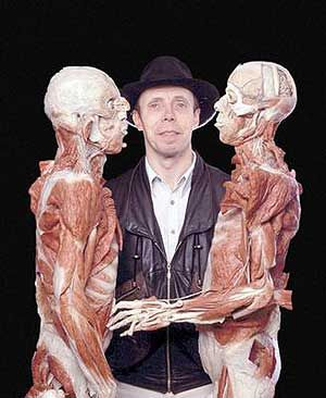 Ну да, кошмар, но ведь искусства ради! The Anatomist: Gunther Von Hagens   Human body exhibit, Bodies exhibit, Human body