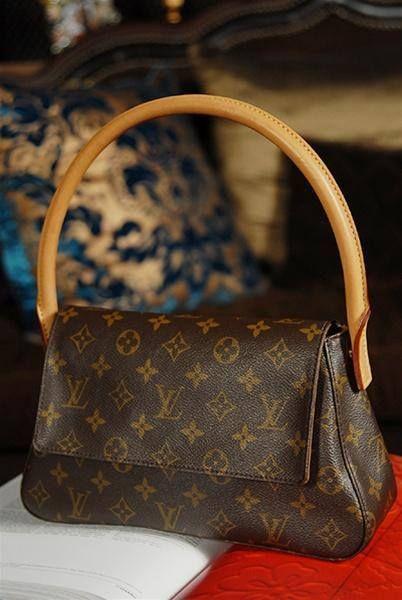 52e193cdd581 Mini Looping Louis Vuitton Handbags