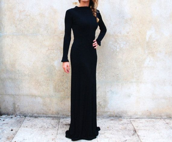 Chic black vintage 1970s gown - 1970s floor length hourglass ...