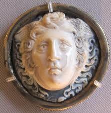 Medusa http://upload.wikimedia.org/wikipedia/commons/4/4c/Glittica_romana,_medusa,_sardonice,_II-III_sec_dc..JPG