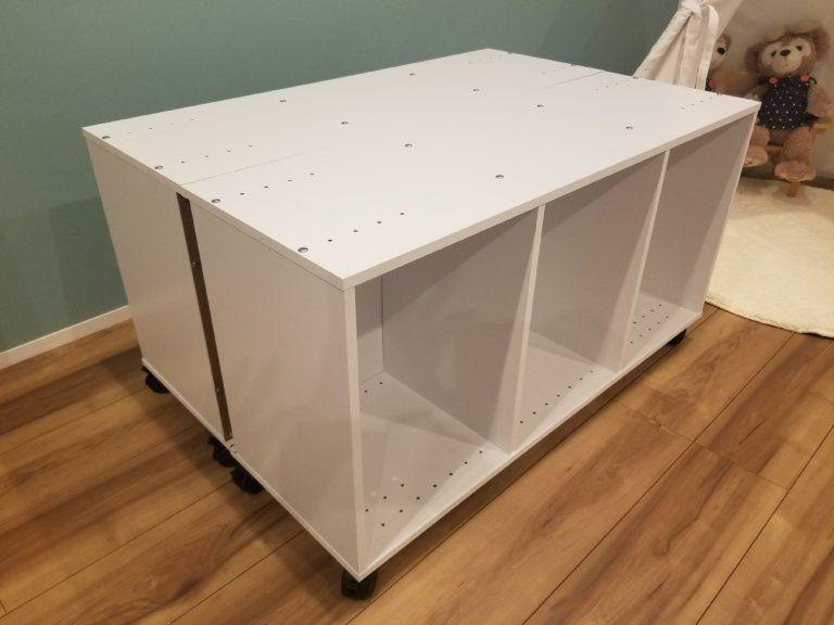 プレイテーブルをdiy自作 カラーボックスでおしゃれに手作りする方法 つくるぱ プレイテーブル テーブル 収納 カラーボックス