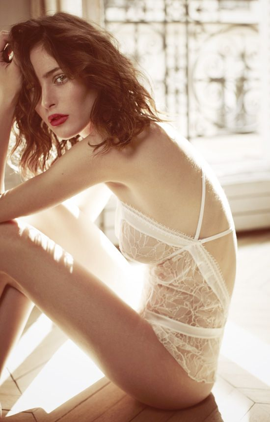 Comfort or Sensuality? Check out 6 Lingerie Models for Brides!