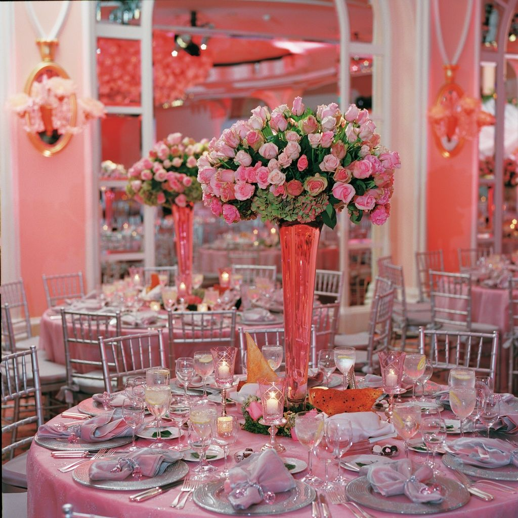 Photograph by: Curtis Dahl  |  Consulting: Linda Howard's Sensational Celebrations  |  Venue: The Beverly Hills Hotel