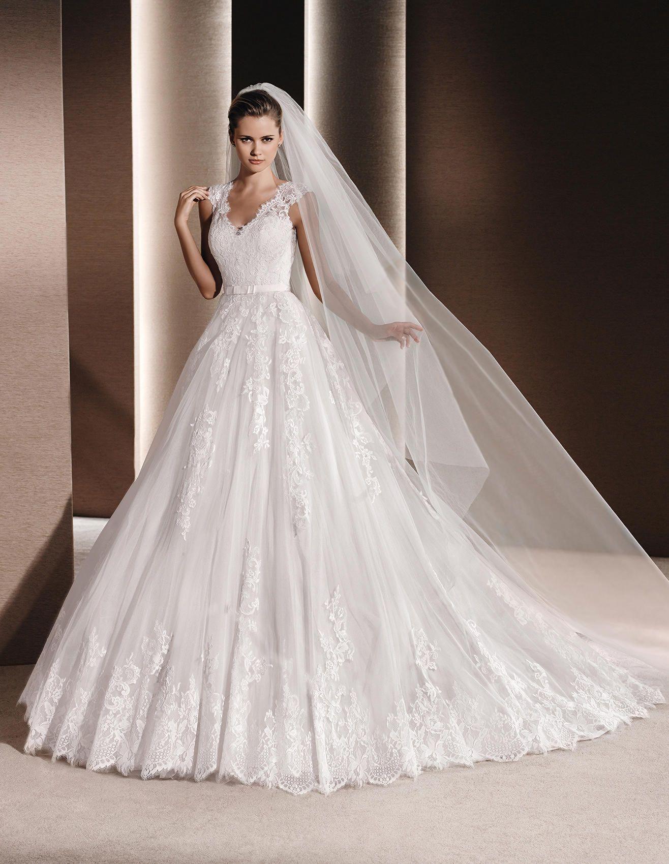 RAVEN Princess wedding dress in lace La Sposa
