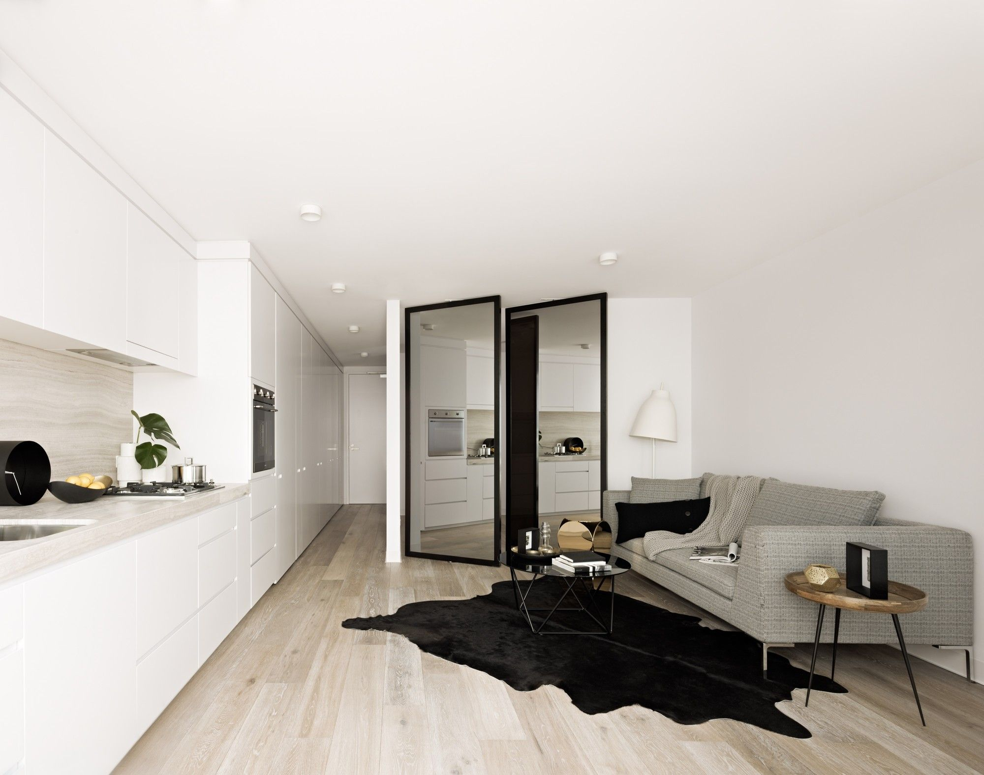 gallery 28 white small. Image 6 Of 28 From Gallery Luna Apartments / Elenberg Fraser. Photograph By Peter White Small