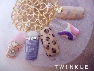 ☆春夏のイメージ♪曲線ラインネイル☆ の画像|名古屋昭和区 private nail salon TWINKLE