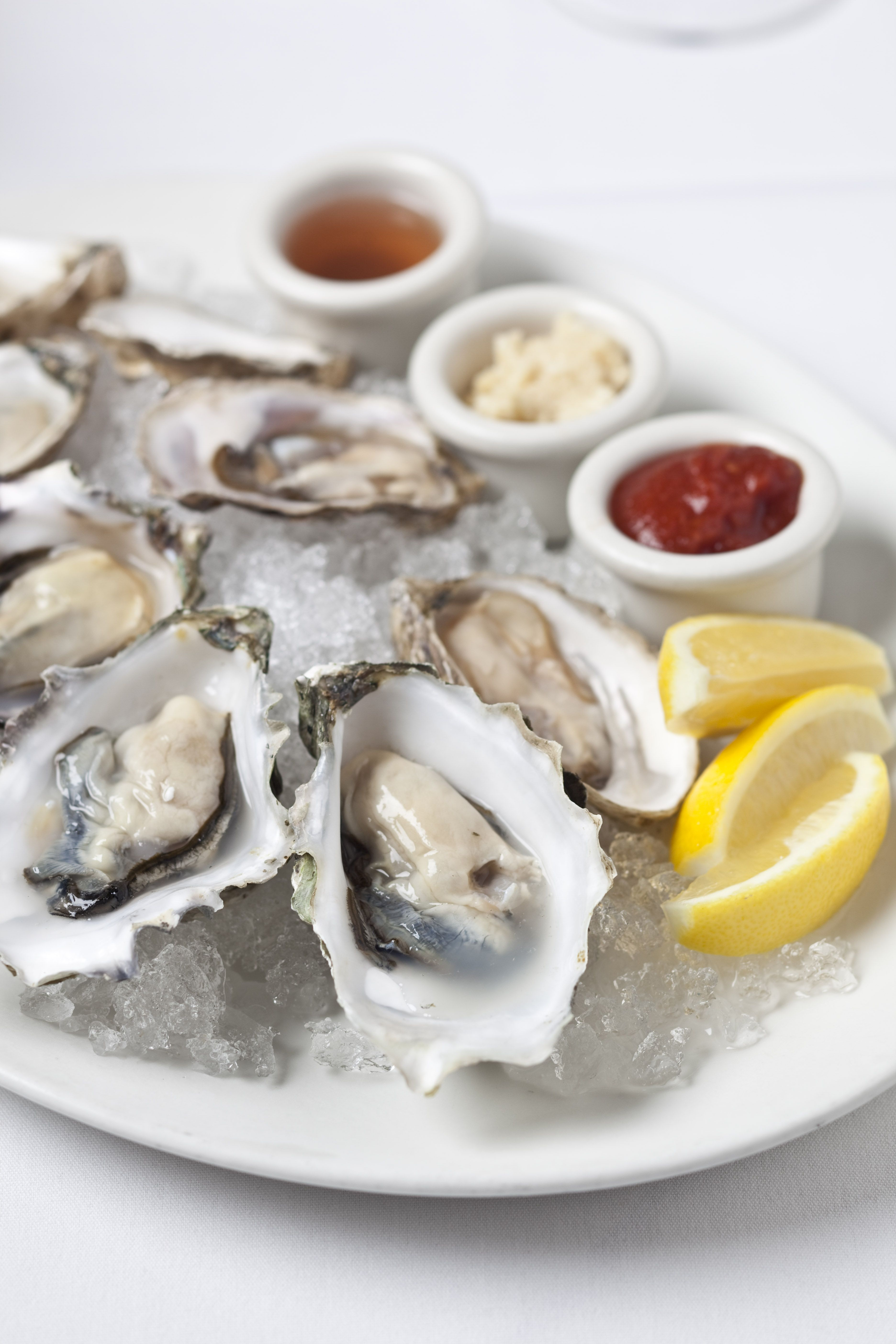 801 Fish Is Now Offering An Oyster Thursday Menu Come In Out Of The Cold And Try It Food Food Preparation Kc Restaurants