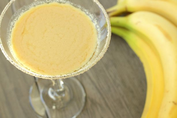 99 Bananas Schnapps 4 Scoops Vanilla Ice Cream 2 Oz Half And 1 Banana