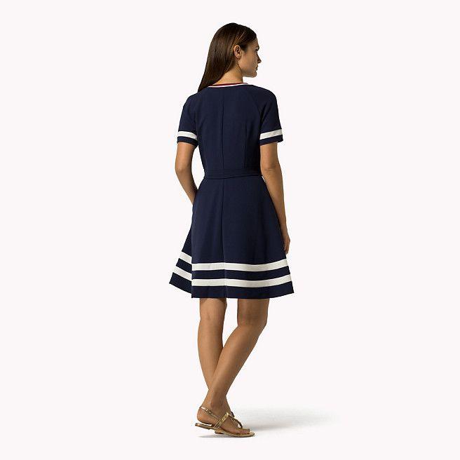 Tommy Hilfiger Kleid Mit Streifendetail Peacoat Blau Tommy Hilfiger Kleider Detail Bild 1 Tommy Hilfiger Kleid Kleidung Kleider
