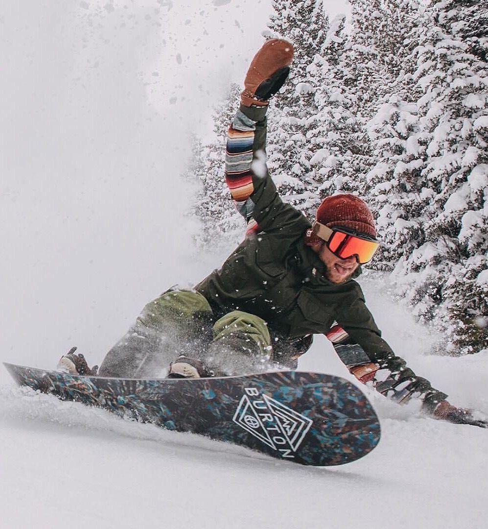 Shred it!! God I love this feeling! Snowboarding