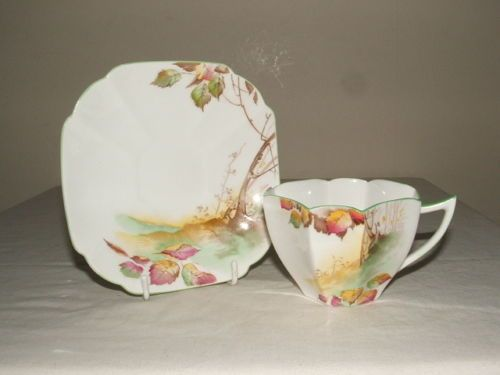 SHELLEY-ART-DECO-QUEEN-ANNE-AUTUMN-LEAVES-TEA-CUP-SAUCER-TRULY-STUNNING