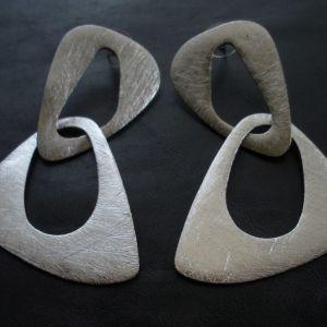 urban mood earrings $25