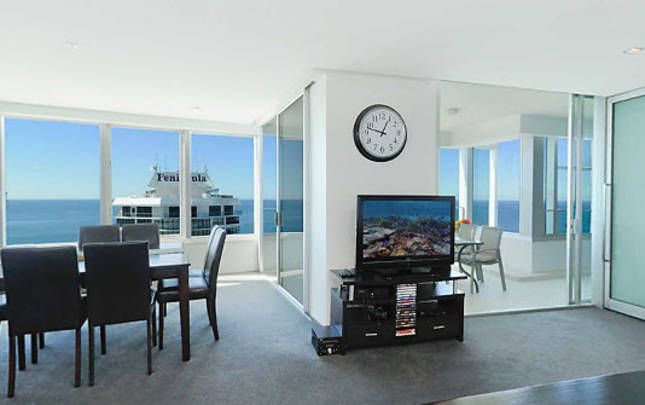 Q1 3 Bedroom Skyrise Apartments A Surfers Paradise Apartment Stayz