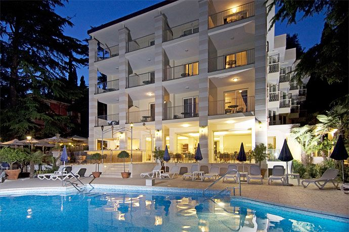 Hotel Excelsior Le Terrazze - Garda | Lake garda, Lakes and Lake ...
