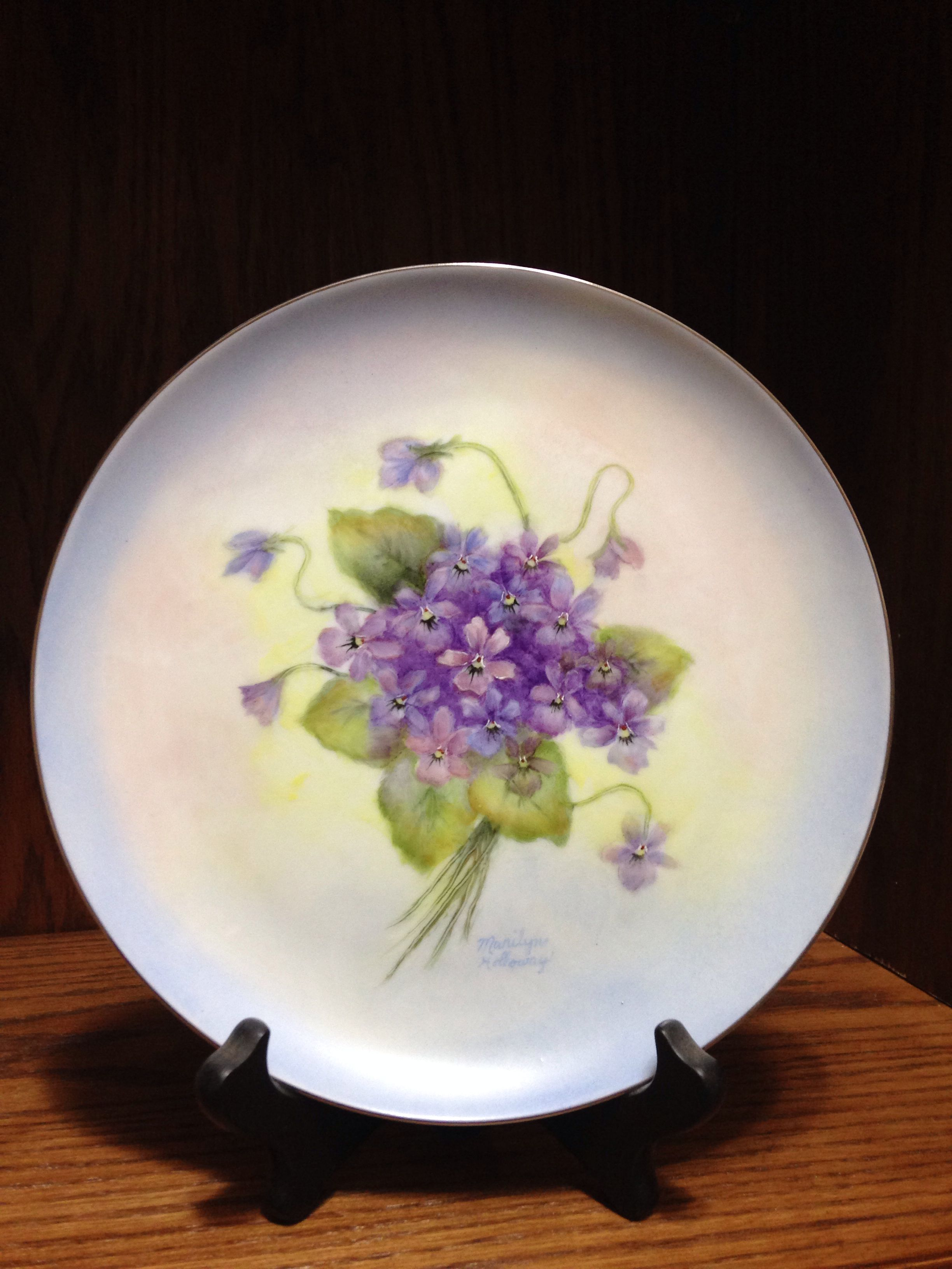 Marilyn Holloway's china painted plate. I am putting this  here because Marilyn is my china painting teacher.
