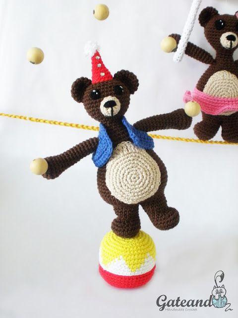 Jean & Jeanne, the bear team!!!   Circus   Pinterest   Circo ...