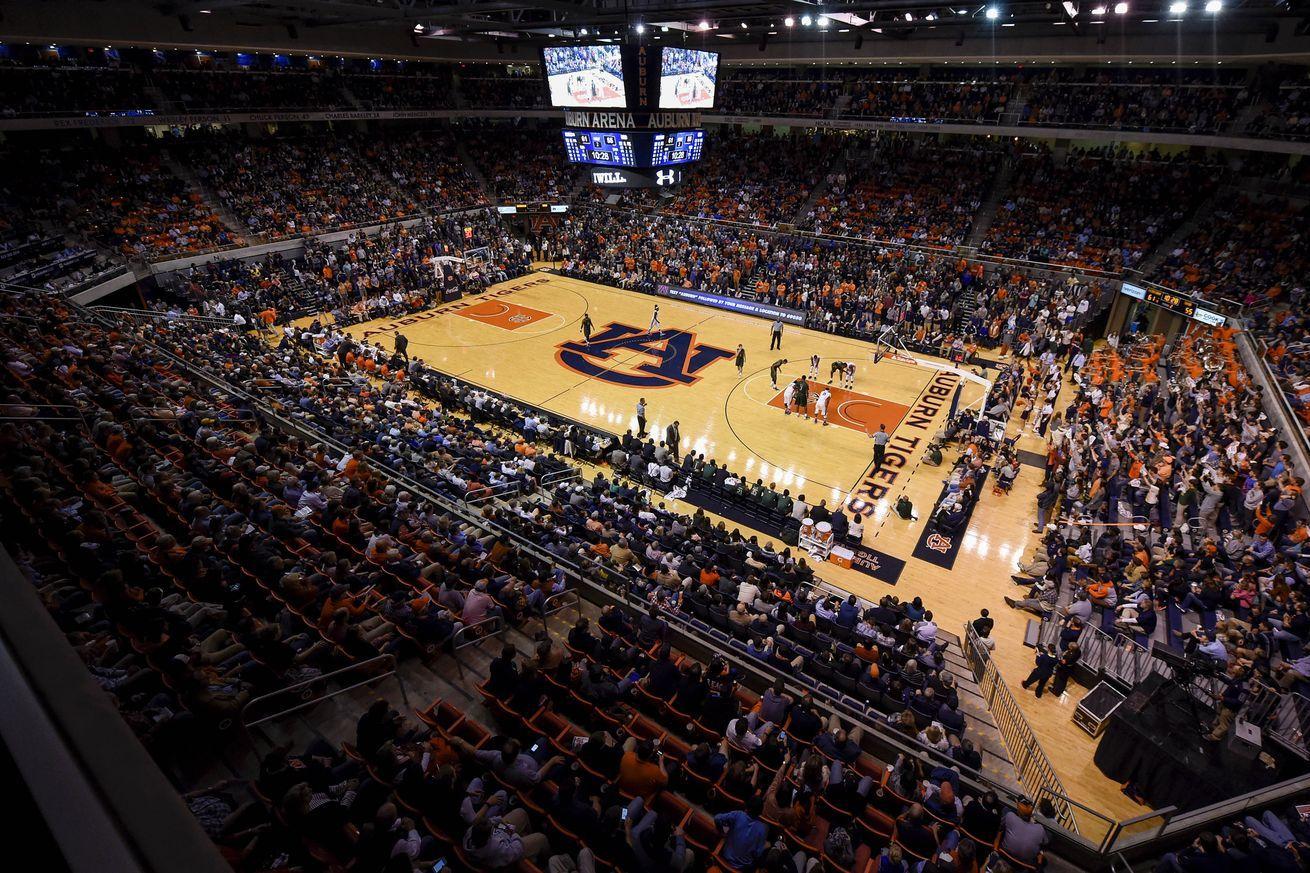 Auburn Arena Floor Gets A New Paint Job Auburn Auburn