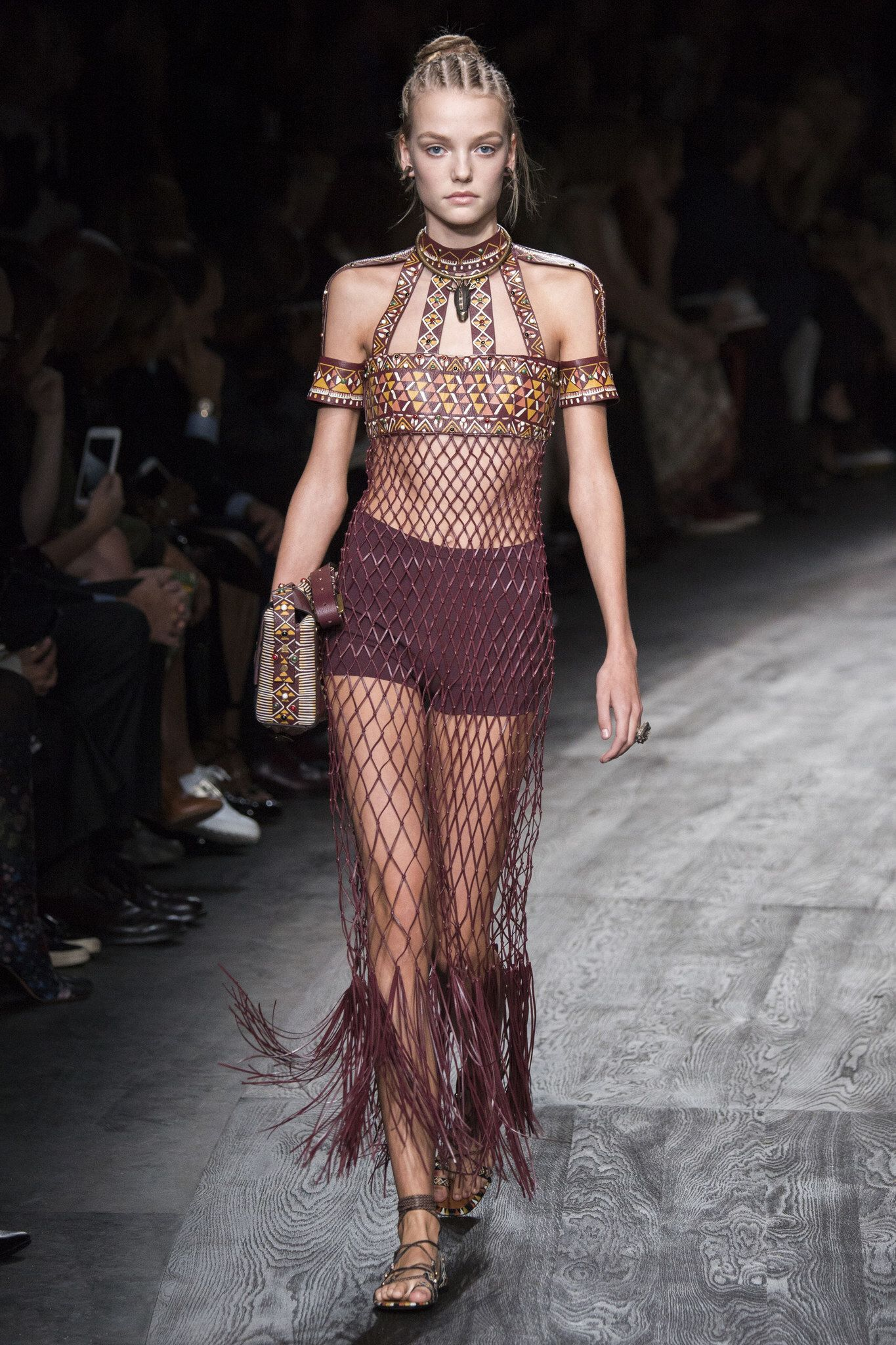 781fe88d7e Valentino Spring 2016 Ready-to-Wear Fashion Show