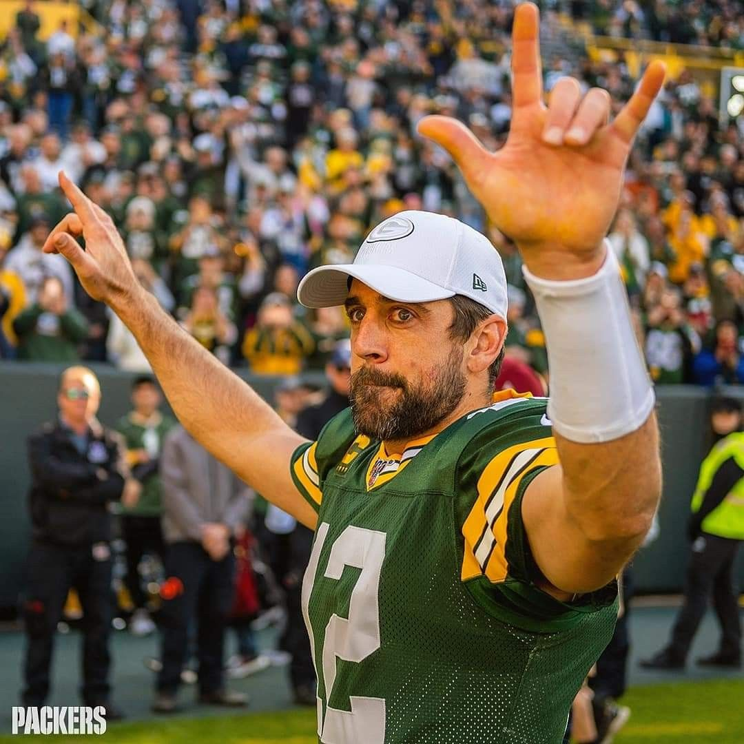 Pin By Caitlin Sidor On Football Rodgers Packers Green Bay Packers Green Bay