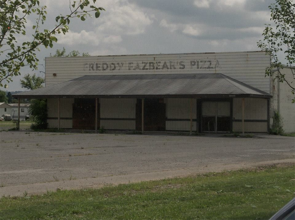 Freddy Fazbear Pizza Real Life It Is Located In Hurricane Utah And