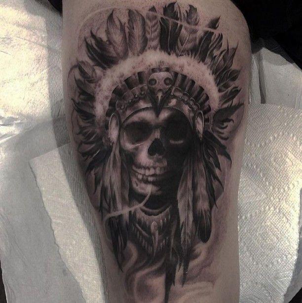 tattoo skull mit federschmuck tattoo ideen pinterest. Black Bedroom Furniture Sets. Home Design Ideas