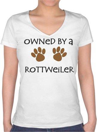 Köpekli - Owned By a Rottweiler - Kendin Tasarla - Bayan V Yaka Tişört
