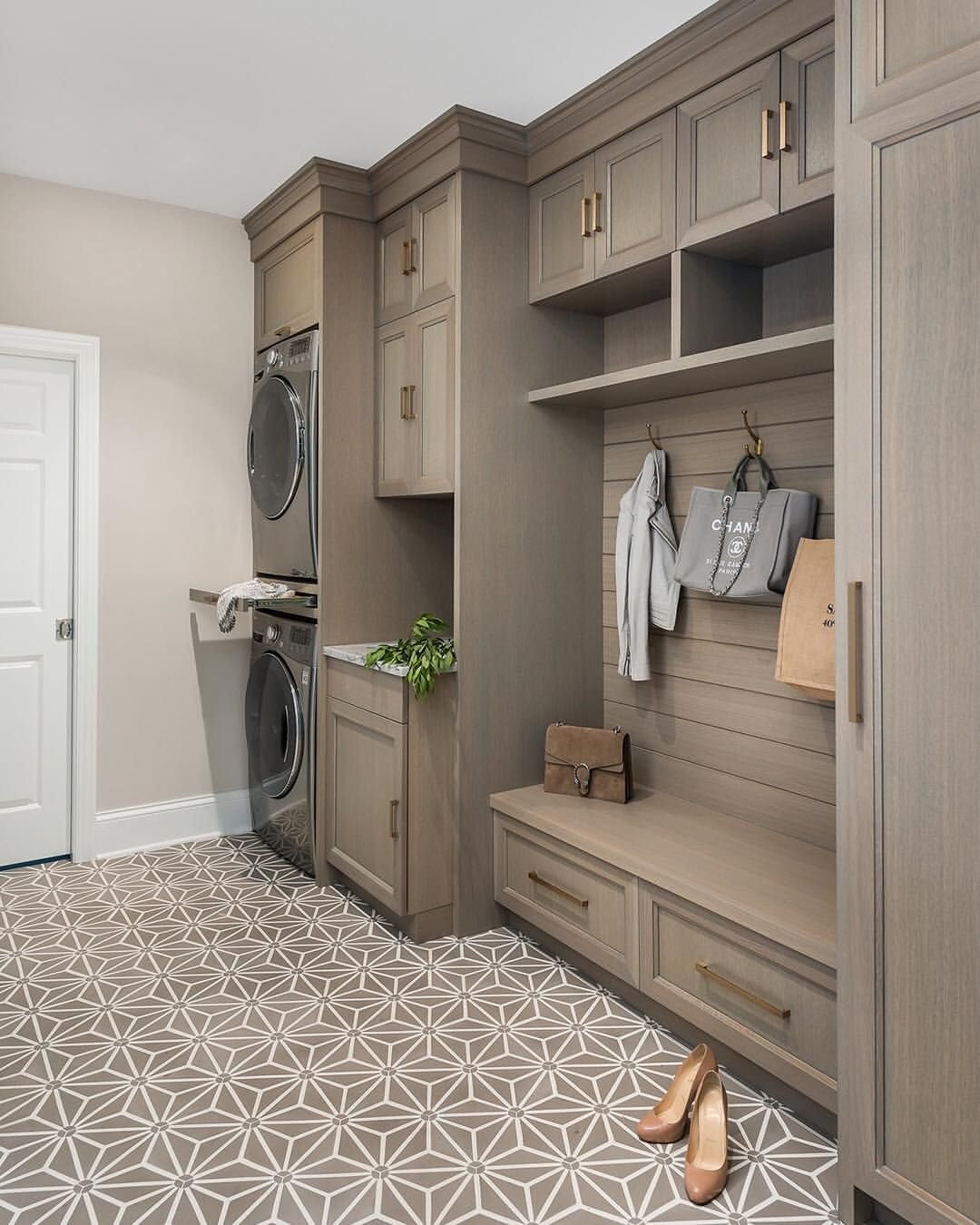 Another Top 10 On Houzz In 2018 Was This Laundry Room Remodel We Designed For Aivanelli Was Mudroom Laundry Room Laundry Room Tile Laundry Room Cabinets