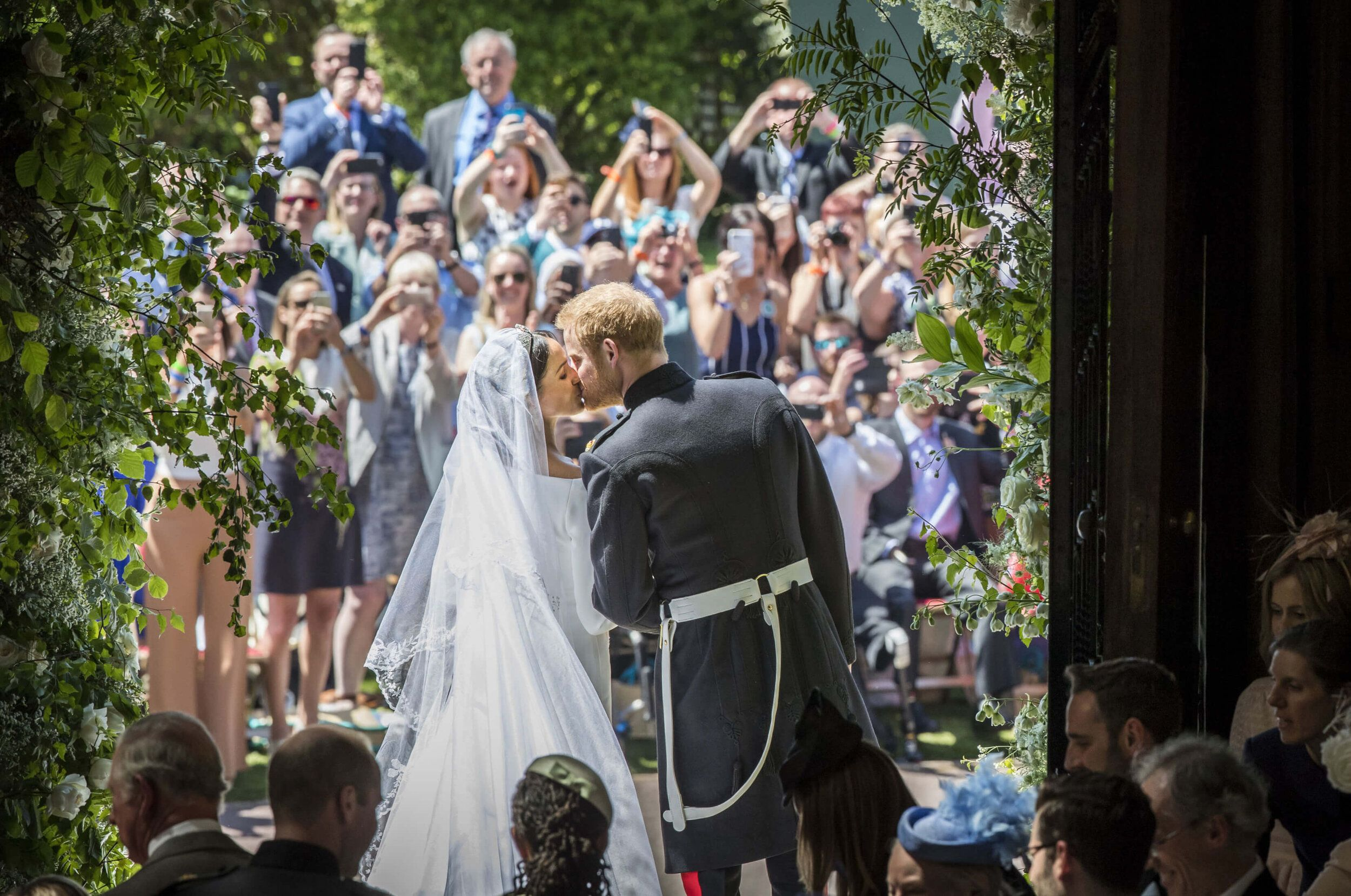 Herzogin Meghan Prinz Harry Die Schonsten Fotos Ihrer Hochzeit In 2020 Konigliche Hochzeit Royale Hochzeiten Hochzeitsfoto Idee