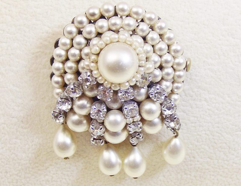 Louis Rousselet glass pearl and rhinestone Brooch