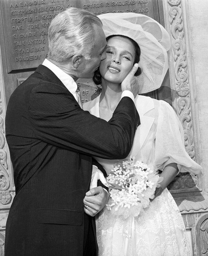Photo of 6 Elegant Wedding Dress Trends From Audrey Hepburn, Jane Birkin, and More