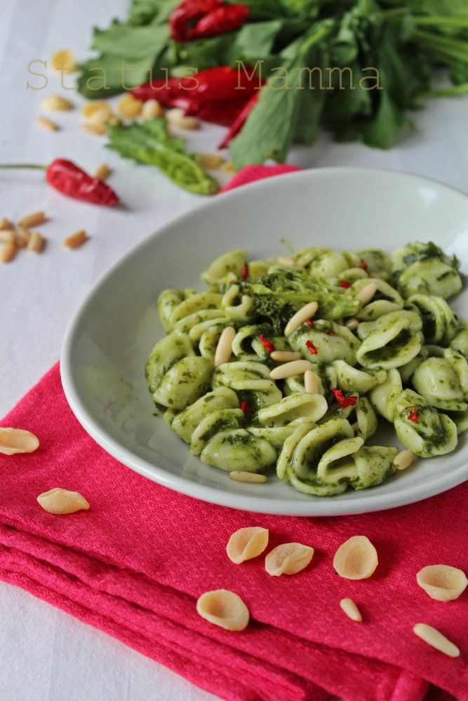 Orecchiette con pesto alle cime di rapa ricetta cucinare for Cucinare vegetariano