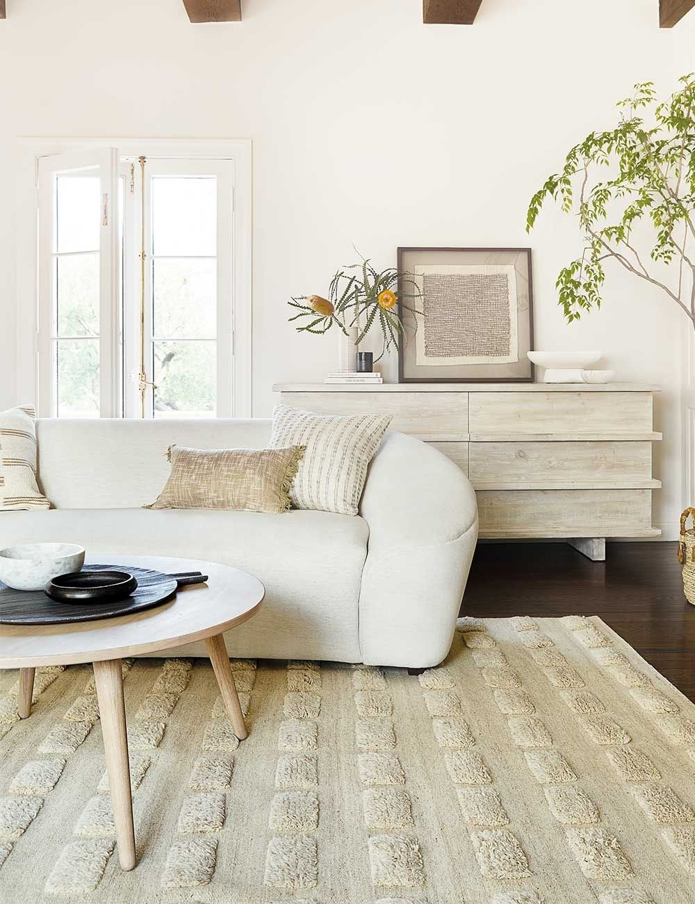10 Neutral Area Rugs You Will Love For Your Dreamy Home Minimalist Living Room Living Room Designs Minimalist Home Decor