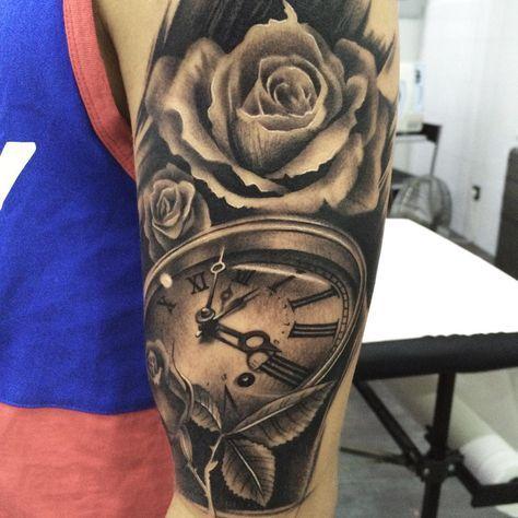 Done today in @pxabodyart (Pontevedra) #angeldelaconcha @promisetattooclub #clock & #roses #tattoo #artwork #blackandgrey #realistic #clocktattoo #tattooart #inkedup #thebestspaintattooartists #tattooclub