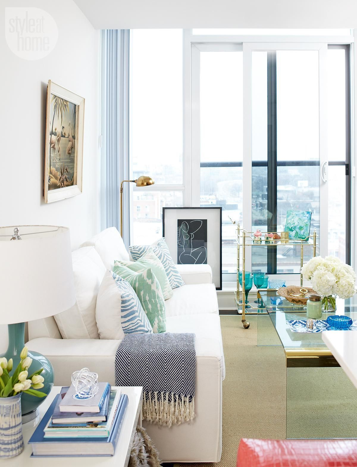 A 500-square-foot condo in the city is transformed into a stylish ...