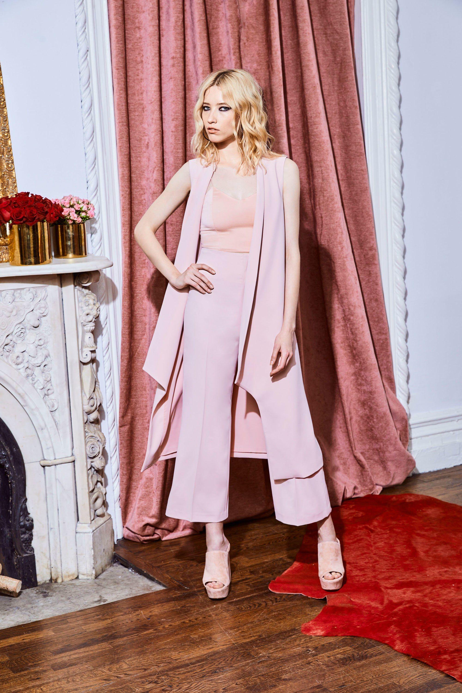 Alice + Olivia Resort 2018 Fashion Show