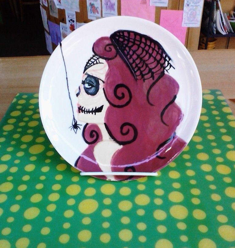 Halloween Plate Ceramics Colormemine Halloween Halloween Plates Crafts For Kids Color Me Mine