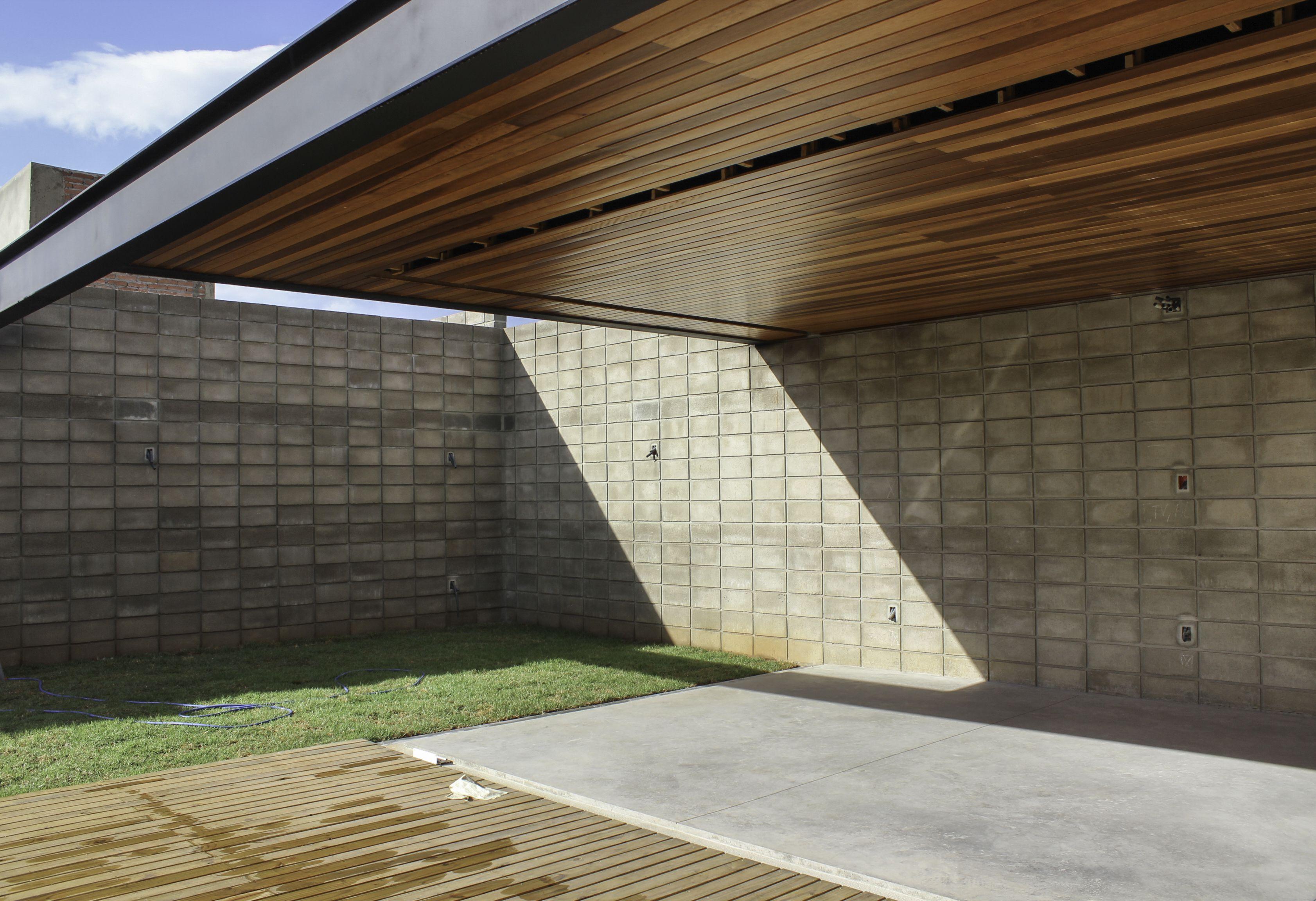 Em Obras Casa Em Estrutura Metalica Bloco Aparente Piso Em