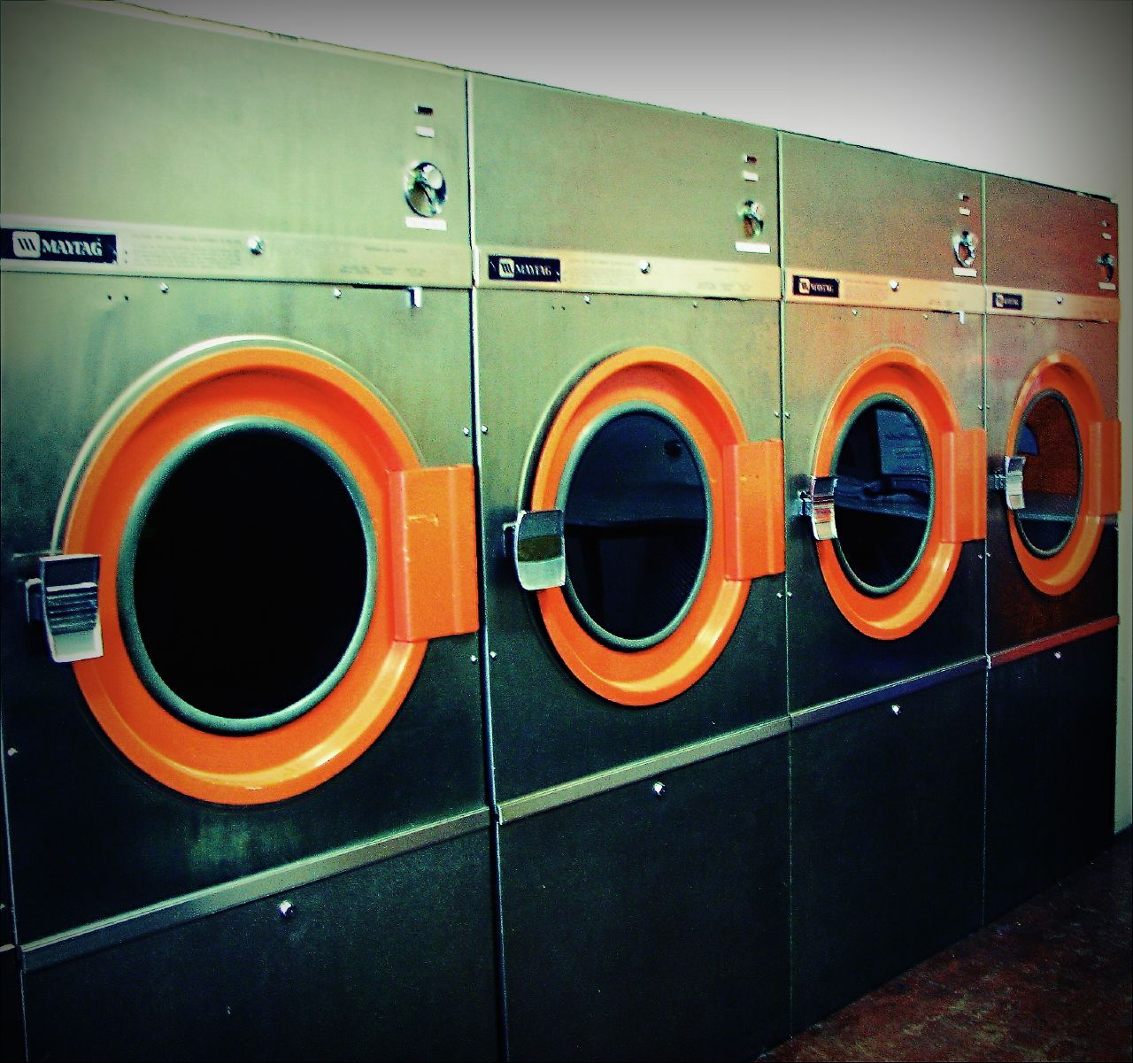 Retro laundromat laundromat pinterest retro laundromat solutioingenieria Choice Image